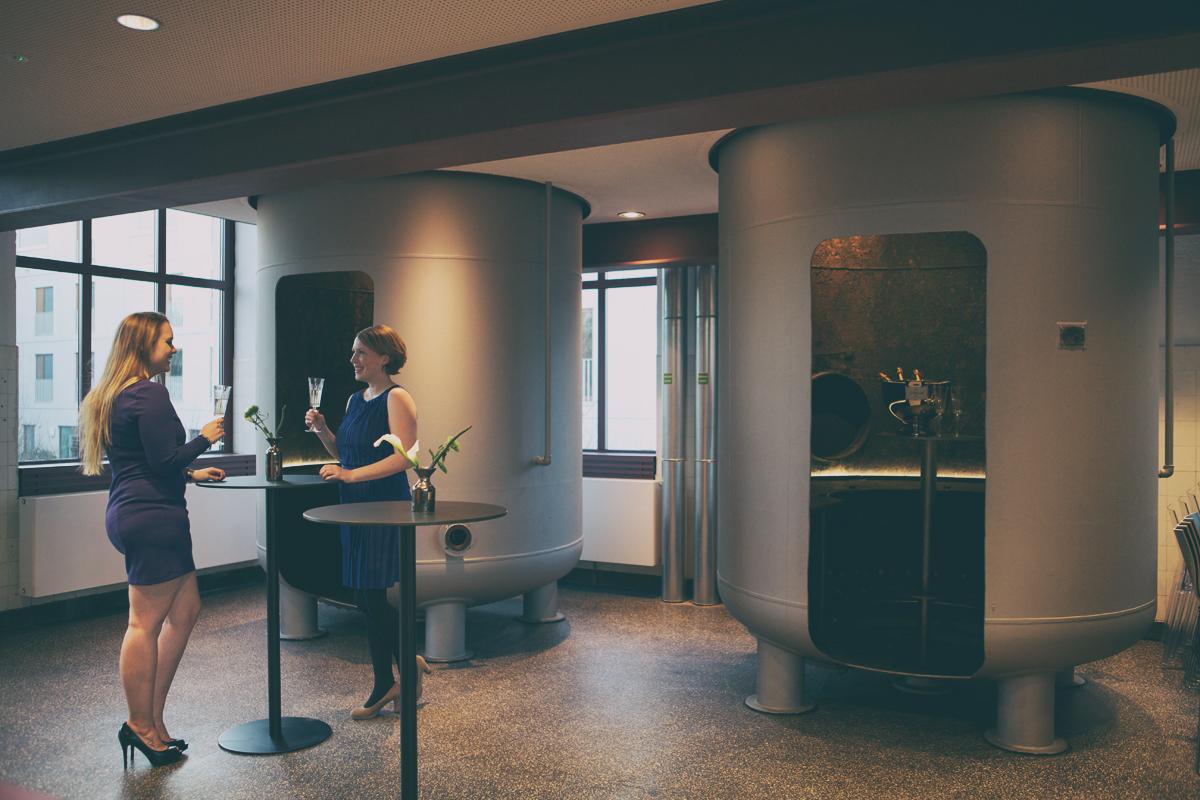 Unsere Wassertanks wurden zur Lounge umgebaut